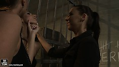 New teen in jail meets the leading ladies who are going to show her the ropes