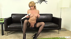 Angela shows her nice tits and gets naked to vibrate her clit