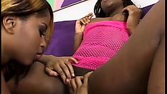 Curvy black pussy-lovers enjoy some lesbian cunt-licking fun