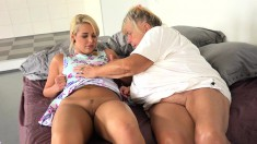 Horny mature with saggy boobs has hot lesbian sex with a blonde beauty