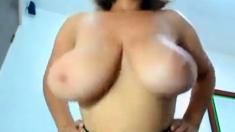 Huge Titty Clapping Latina MILF