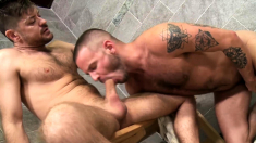 Hot gay sex in the shower of two friends after the workout