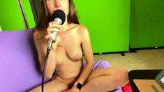 Cute amateur webcam teen girl toying pussy on webcam